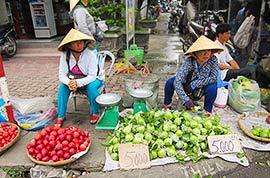 Street vendors in Vietnam