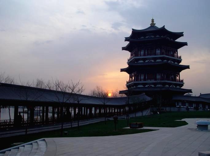 Shi Nu Guan in Tang Paradise, Xian