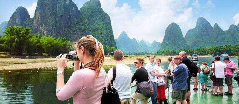Appreciate the stunning landscape of Li River