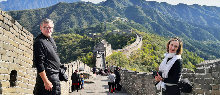 Admire the magnificent Mutianyu Great Wall