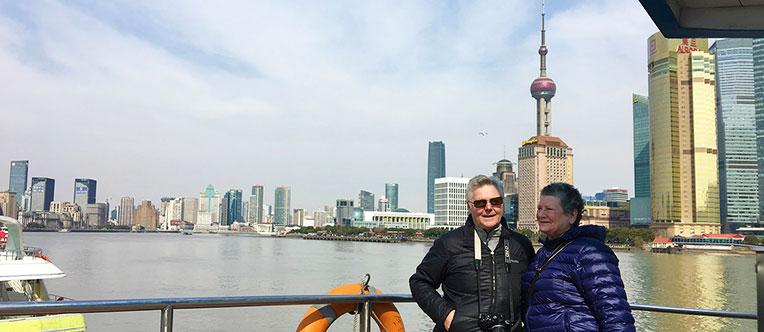 Enjoy a relaxing cruise tour on the Huangpu River