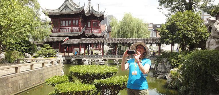 Visit the picturesque Yu Garden