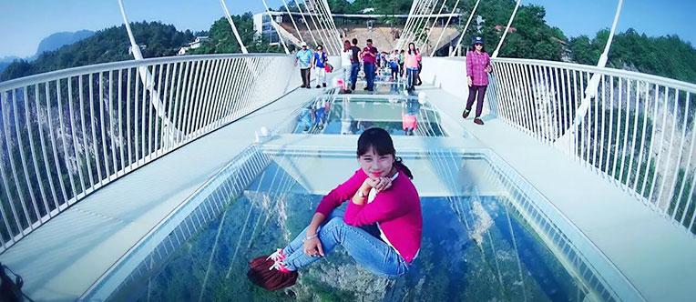 Challenge the glass bride at Zhangjiajie Grand Canyon