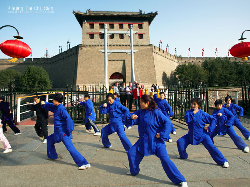Playing Tai Chi, Xian