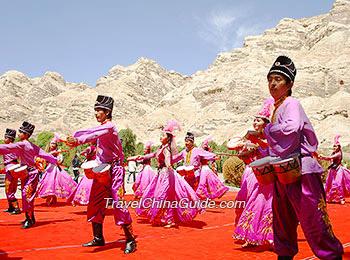 Traditional Uygur dancing show