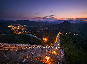 Night view of Simatai Great Wall