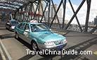 Running taxis on the Waibaidu Bridge