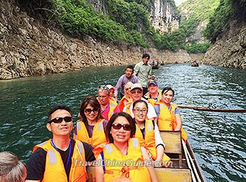 An excursion along Shennong Stream