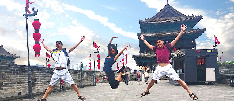 Have fun on the ancient Xian City Wall