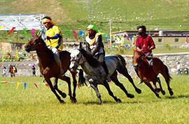 Horse racing in Ulaanbaatar