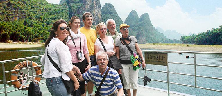 Enjoy the Li River cruise tour to Yangshuo