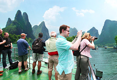 Relaxing Li River cruise